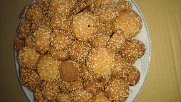 Bánh Vòng Mè